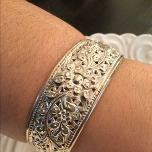 Jewelry - DS Thai sterling silver cuff
